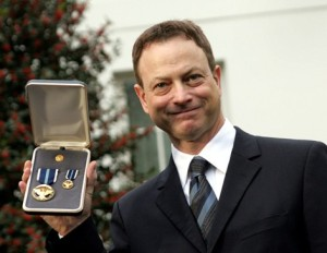 sinise-a-man-for-all-services